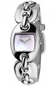 Gucci Women's YA121302 121 Marina Chain Quartz Watch